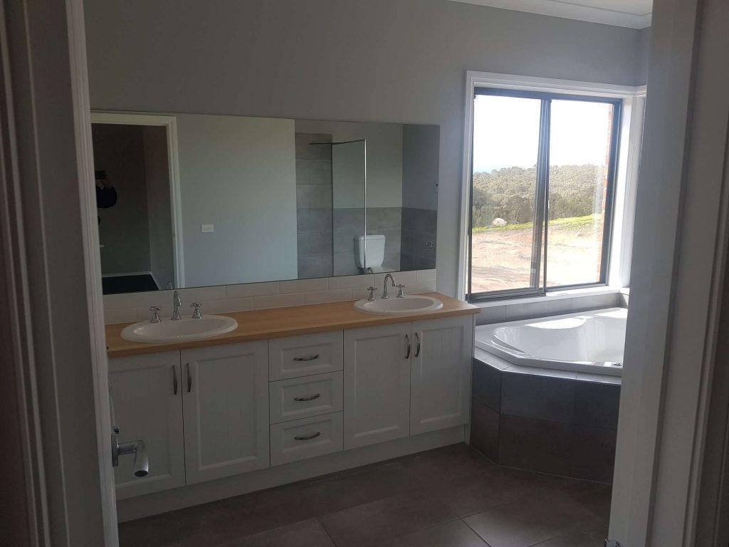 Dennis_M_Browne_Master_Builder_Bathroom_Kilmore (2)